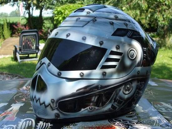 Peindre un casque moto
